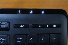 キーボード ランプ 解除 下 向き 矢印